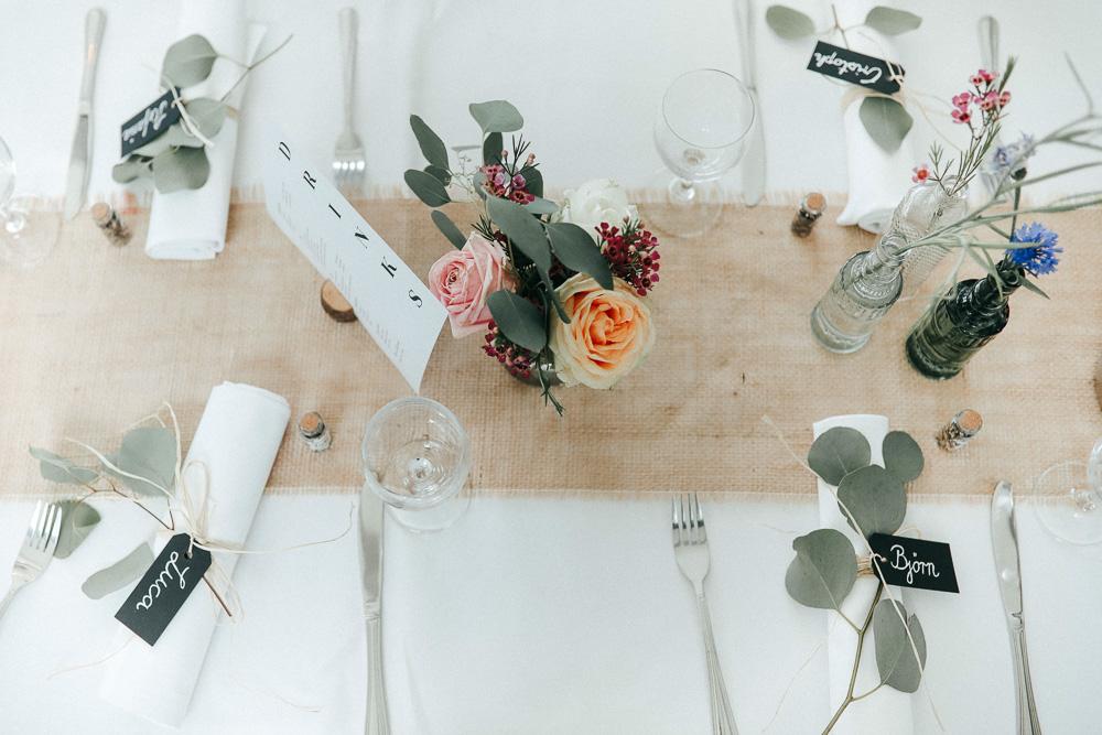 Romantische Dekoration auf der Hochzeit
