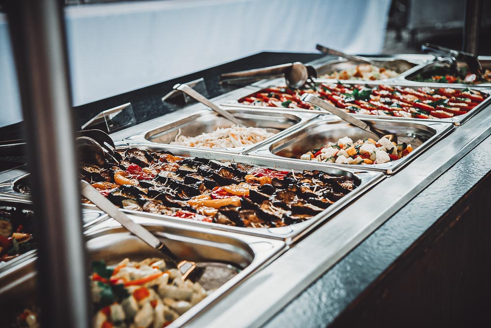 Salatbuffet auf jeder Hochzeit